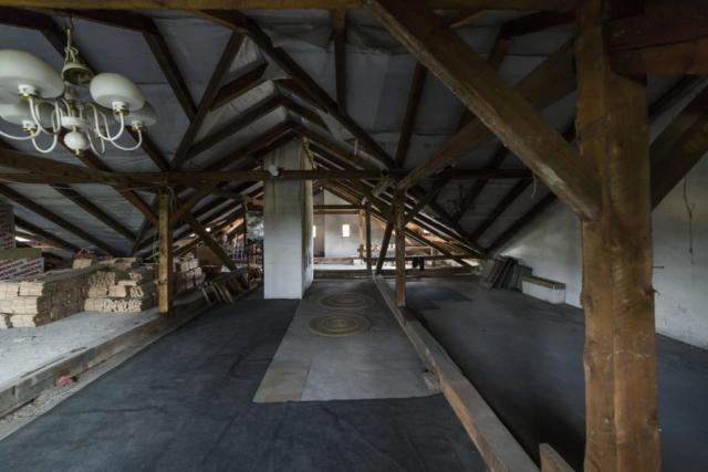 puda podkrovi koberec svetlo komin radunka prodej domu radun linda bittova