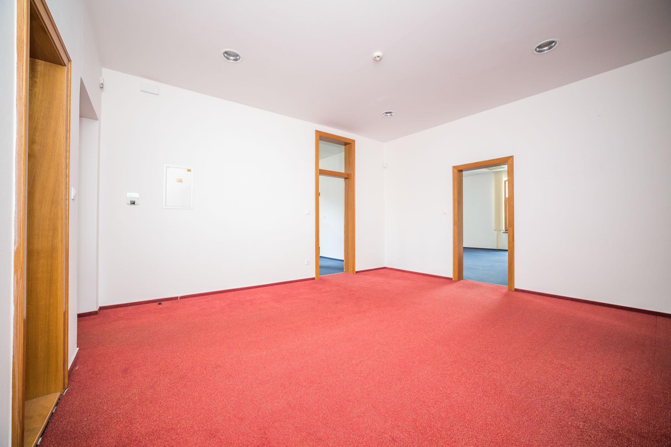 opava reality koberec dvere svetlo jistice telefon podhled zaruben