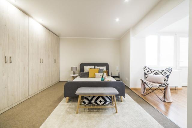 skrin postel polstar koberec loznice okno podlaha prodej bytu linda bittova opava