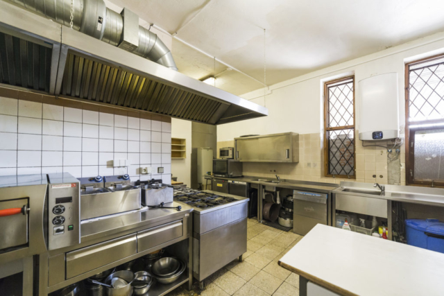 kuchyn radunka konvektomat okno drez linda bittova prodej domu radun
