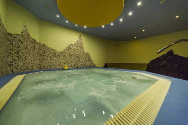 wellness whirlpool svetlo strop radunka prodej domu radun linda bittova